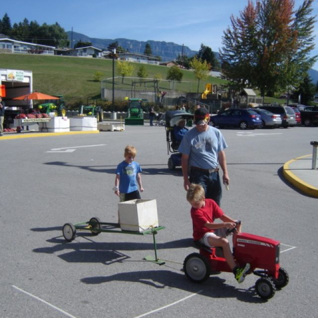 Pedal Tractor Pull Competition
